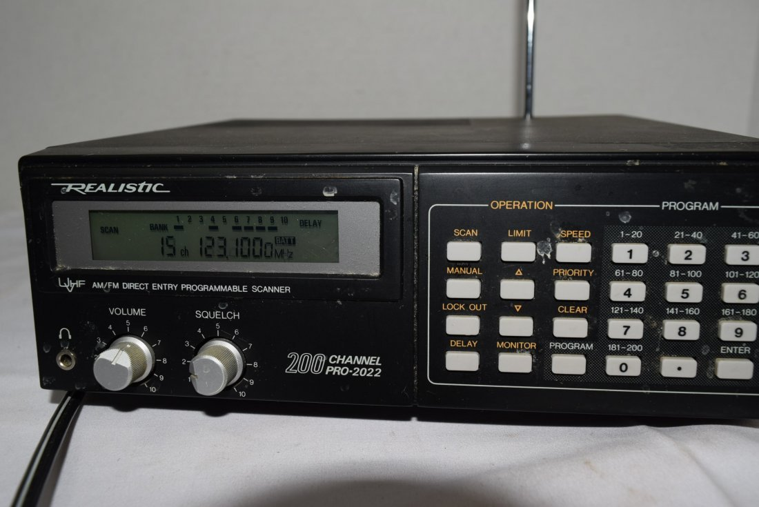 REALISTIC UHF/VHF AM/FM DIRECT ENTRY PROGRAMMABLE - 4
