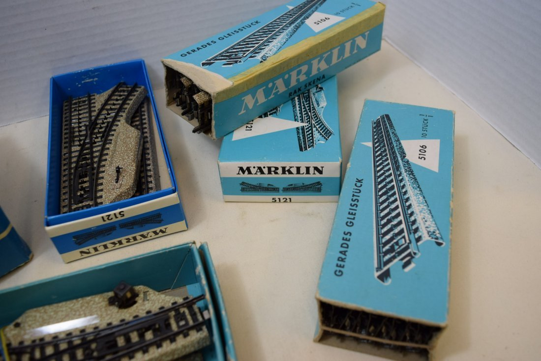MARKLIN HO TRACKS; TURNOUTS; CONTROL PLATE AND TRA - 3