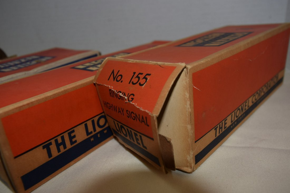 2 LIONEL CABOOSES; FLAT CAR AND RINGING HIGHWAY SI - 10