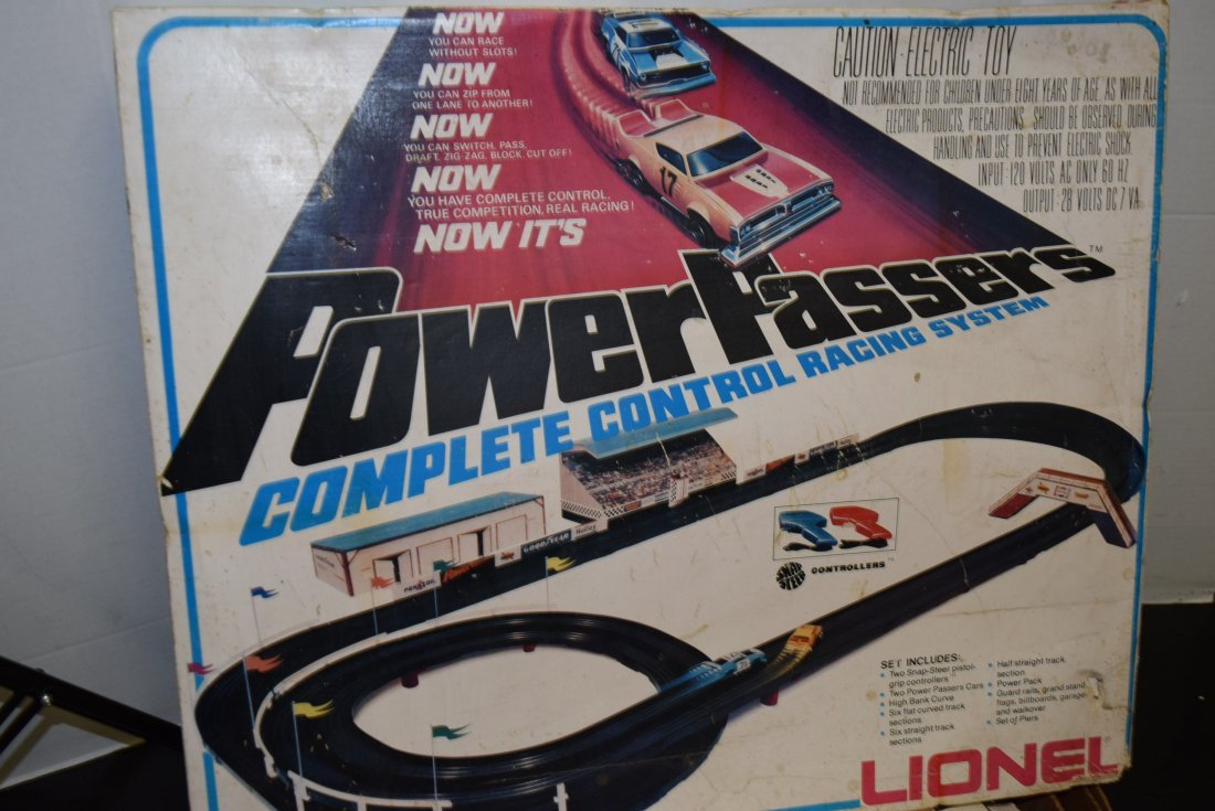 LIONEL POWER PASSERS RACING SYSTEM IN BOX - 3