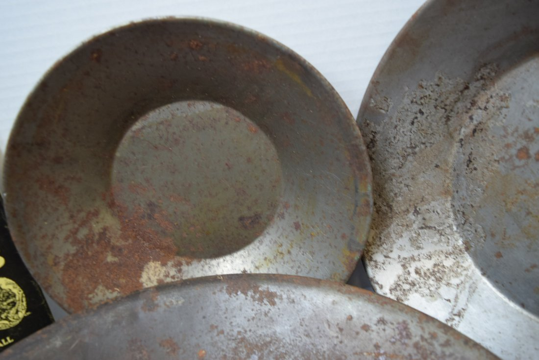 3 VINTAGE PRIMITIVE GOLD MINING PANS AND A BOOK - 3
