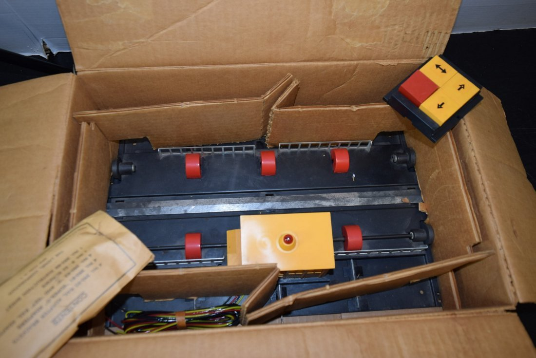 LIONEL ENGINE TRANSFER TABLE IN ORIGINAL BOX