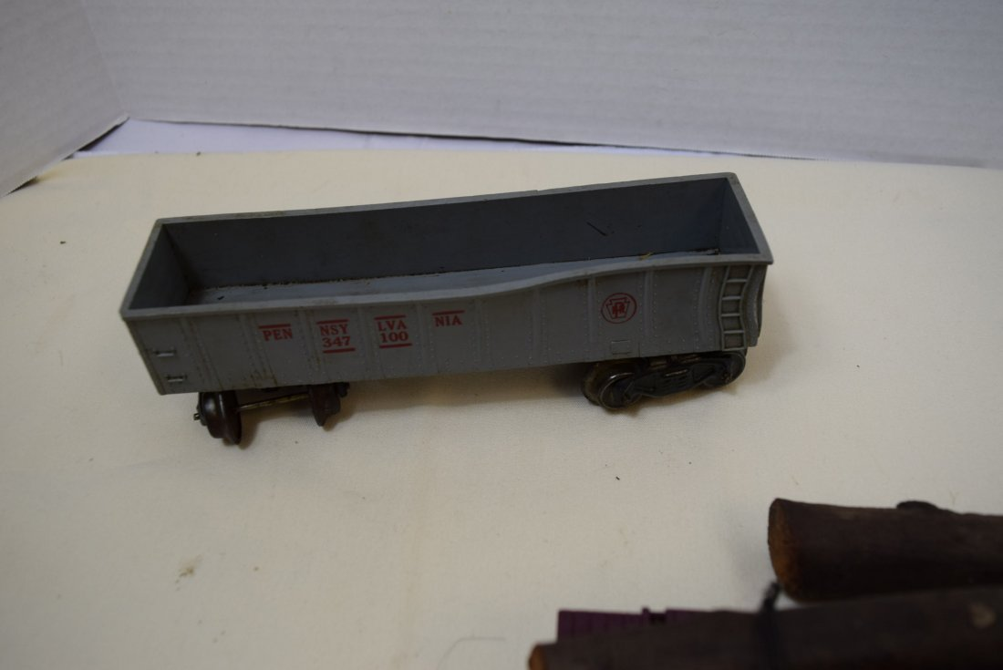MARX LOCOMOTIVE AND TENDER PLUS MORE. UNTESTED - 10