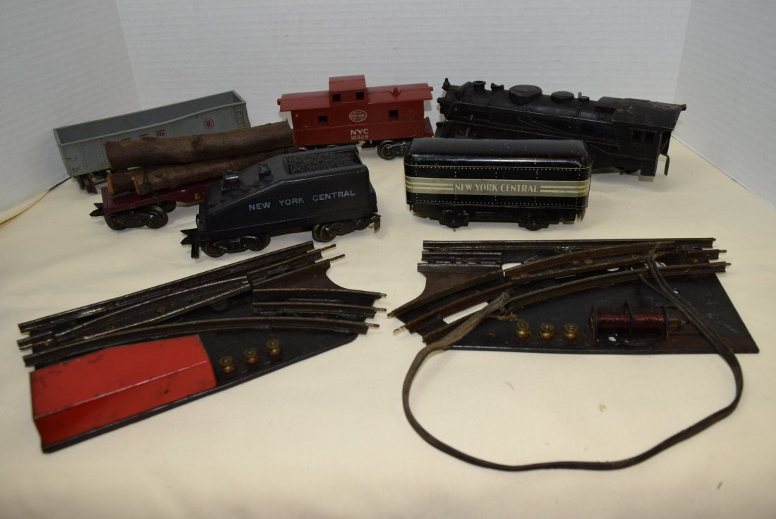 MARX LOCOMOTIVE AND TENDER PLUS MORE. UNTESTED