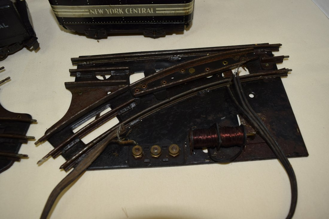 MARX LOCOMOTIVE AND TENDER PLUS MORE. UNTESTED - 2