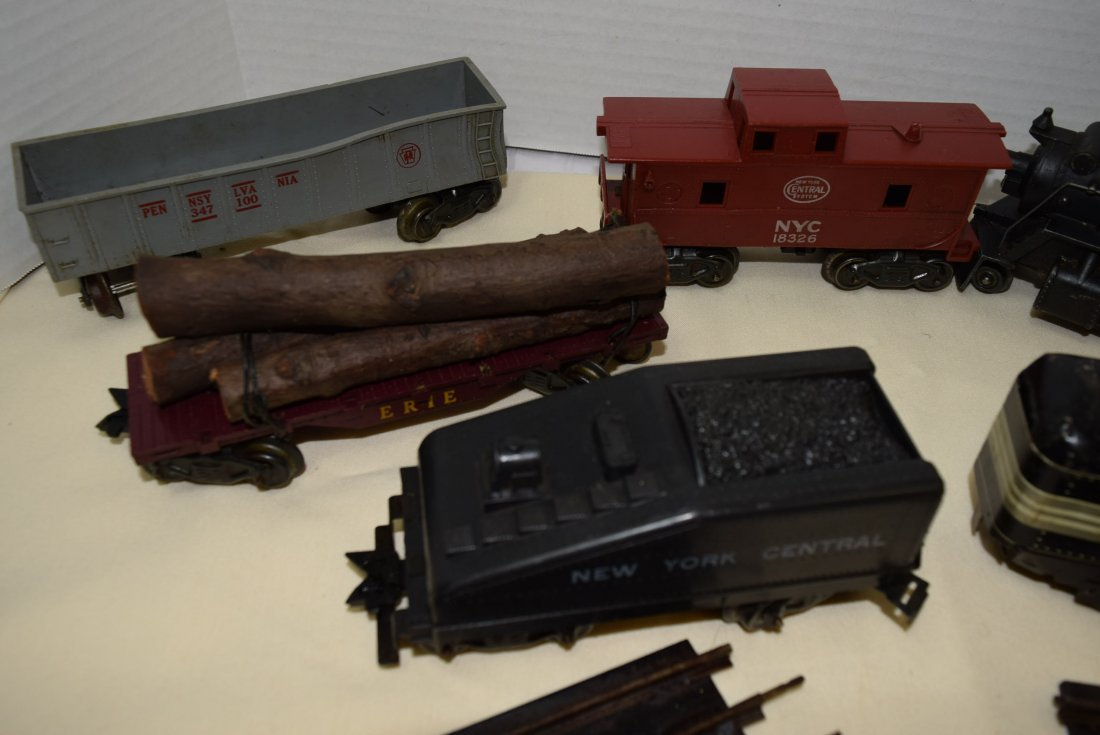 MARX LOCOMOTIVE AND TENDER PLUS MORE. UNTESTED - 4