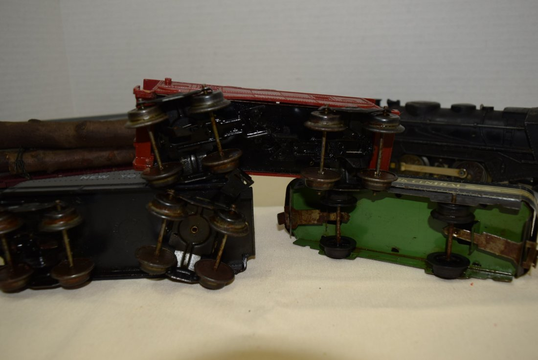 MARX LOCOMOTIVE AND TENDER PLUS MORE. UNTESTED - 6