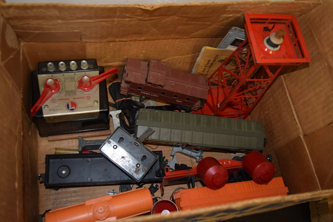 GRAB BAG LOT LIONEL BOX WITH ROLLING CARS; TRANSFO