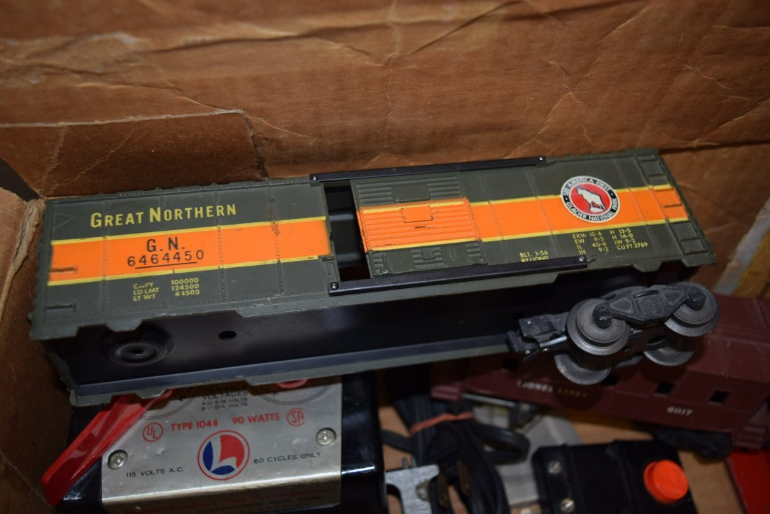 GRAB BAG LOT LIONEL BOX WITH ROLLING CARS; TRANSFO - 3