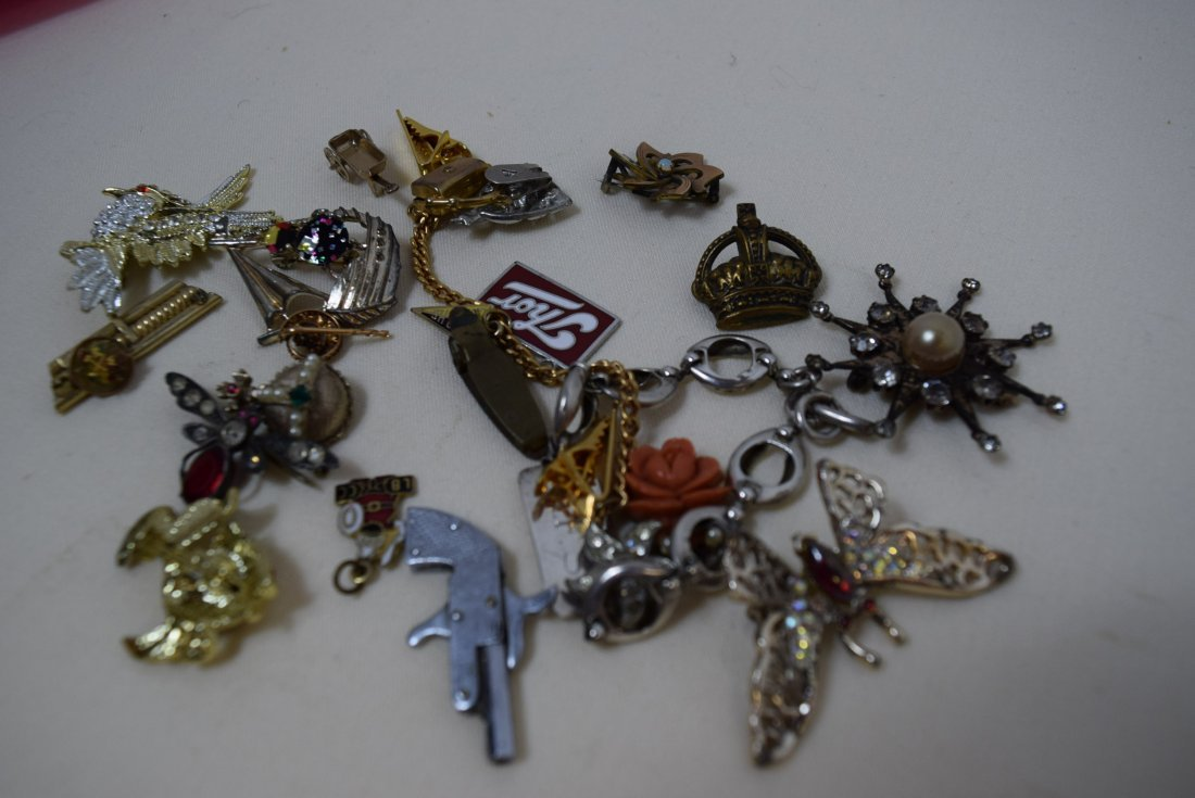 LOT OF PINS; PENDANTS; CLIPS AND MORE - 2