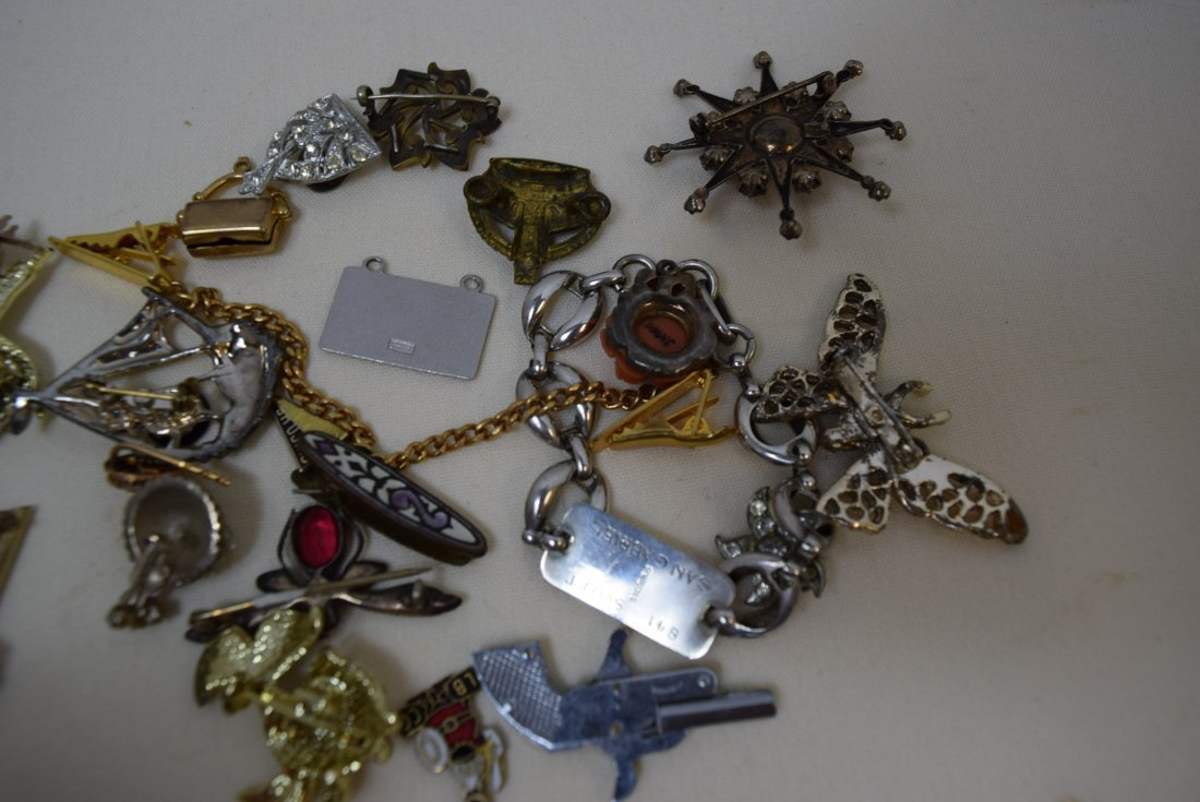 LOT OF PINS; PENDANTS; CLIPS AND MORE - 5