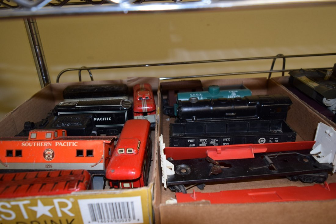 MOSTLY LIONEL TRAINS-ACCESSORIES AND MORE - 2