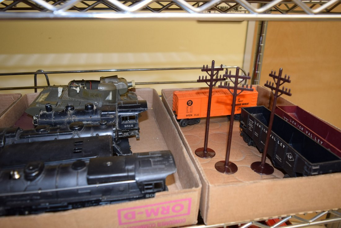 MOSTLY LIONEL TRAINS-ACCESSORIES AND MORE - 3