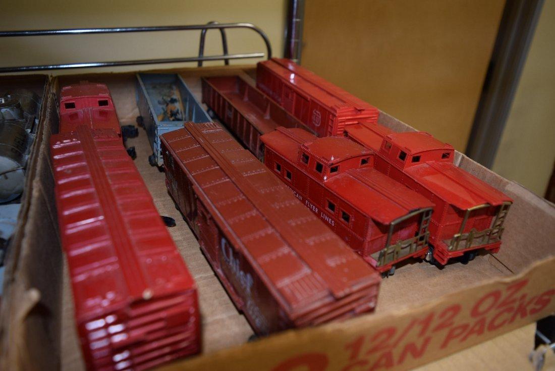 MARX & LIONEL TRAIN CARS SOME PREWAR - 2