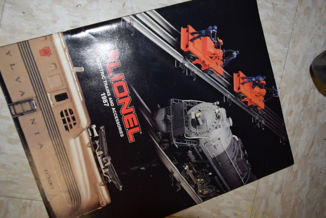 MIXED TRAIN LOT - CATALOGS AND TRAINS - 5