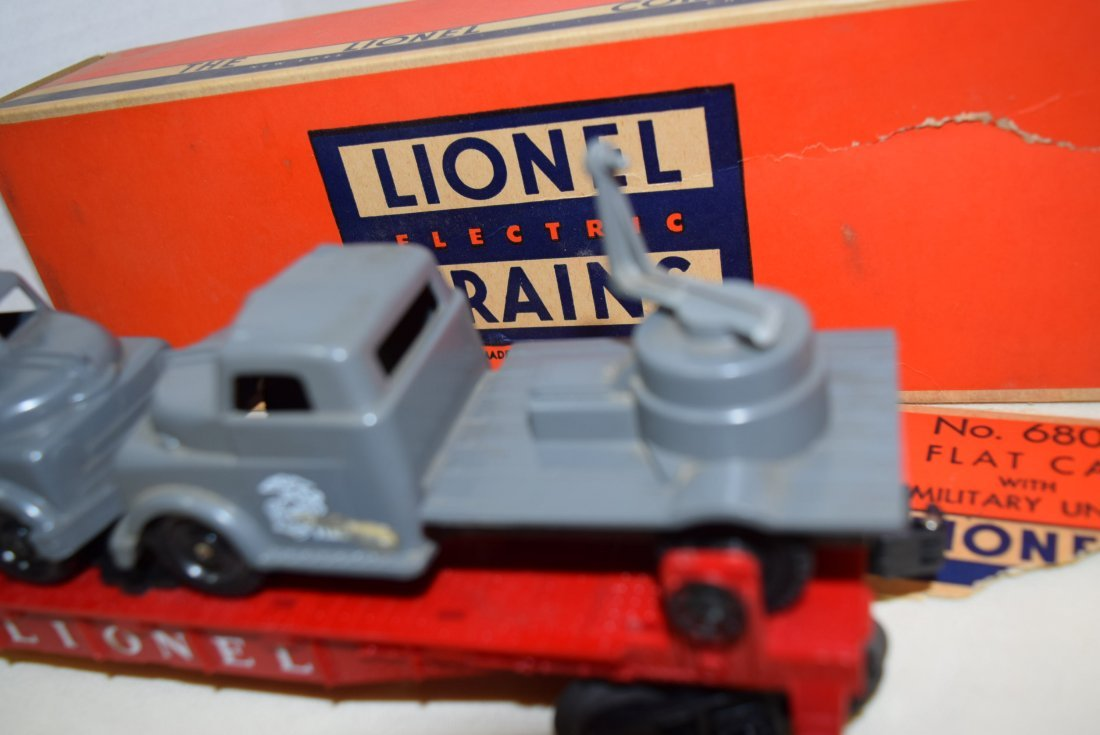 LIONEL FLATCARS WITH MILITARY TANKS - 5