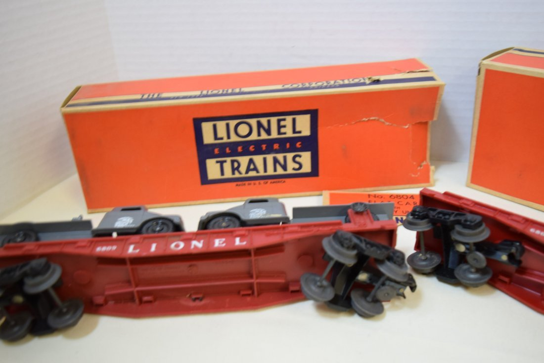 LIONEL FLATCARS WITH MILITARY TANKS - 9