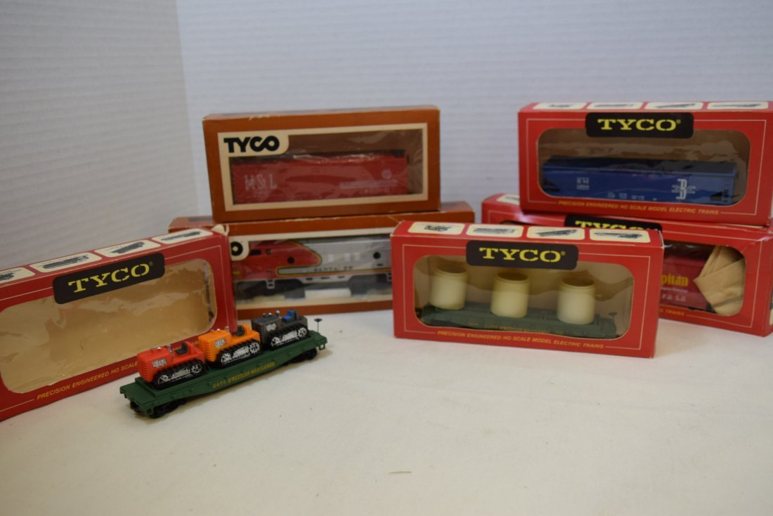 6 TYCO TRAIN CARS IN ORIGINAL BOXES HO SCALE