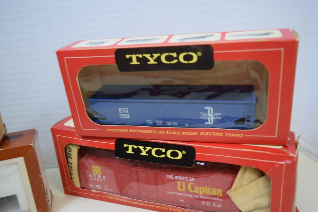 6 TYCO TRAIN CARS IN ORIGINAL BOXES HO SCALE - 4