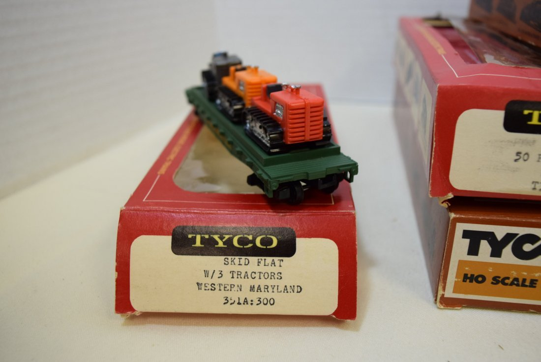6 TYCO TRAIN CARS IN ORIGINAL BOXES HO SCALE - 7