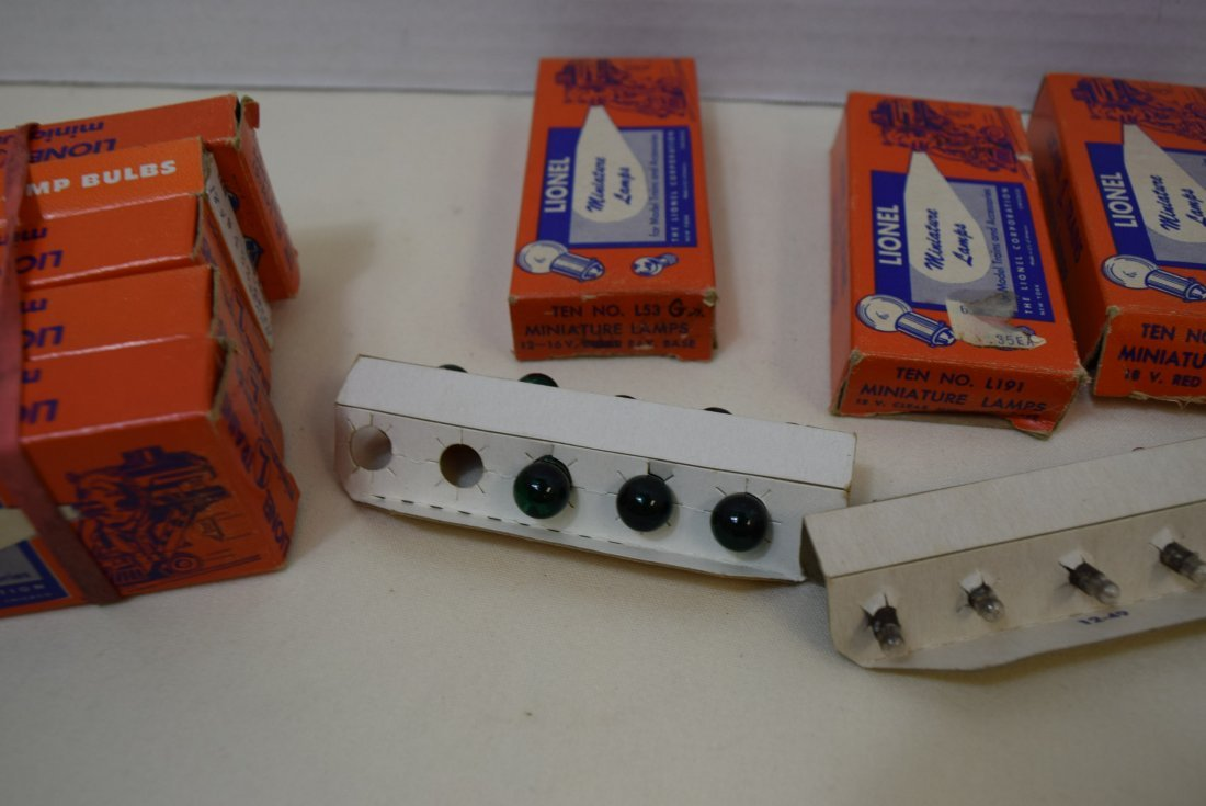 VARIOUS SETS OF LIONEL BULBS AND EMPTY BULB BOXES - 3