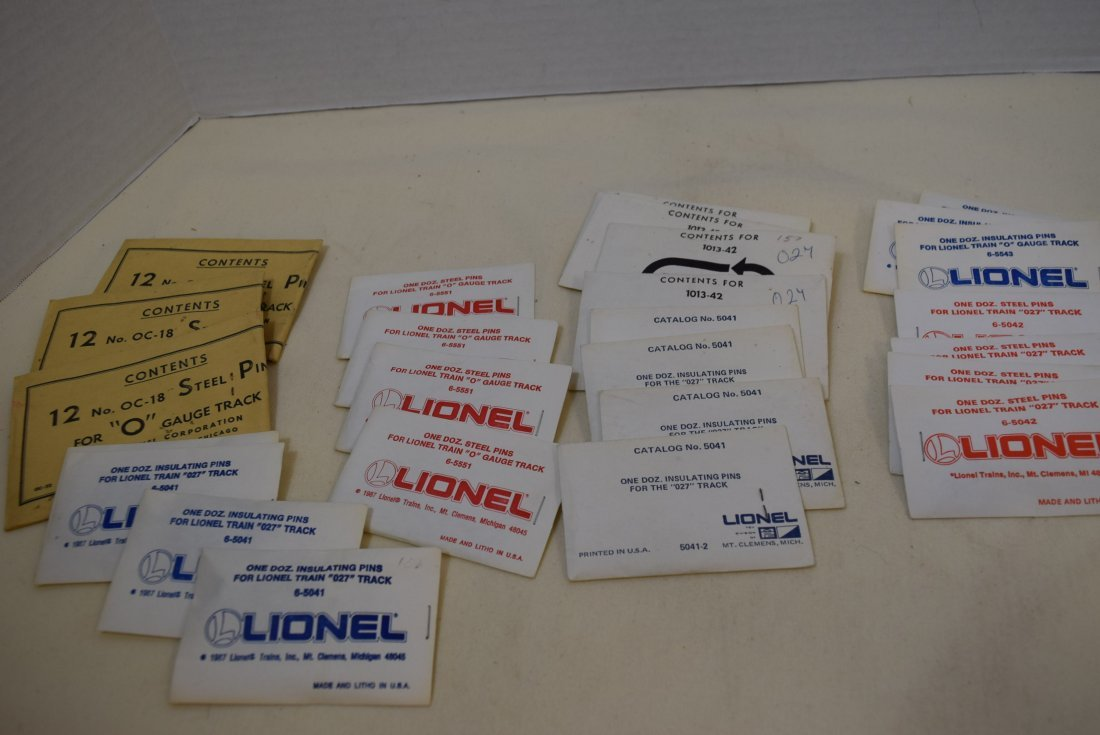 MIXED LOT LIONEL O AND 027 TRACK PINS