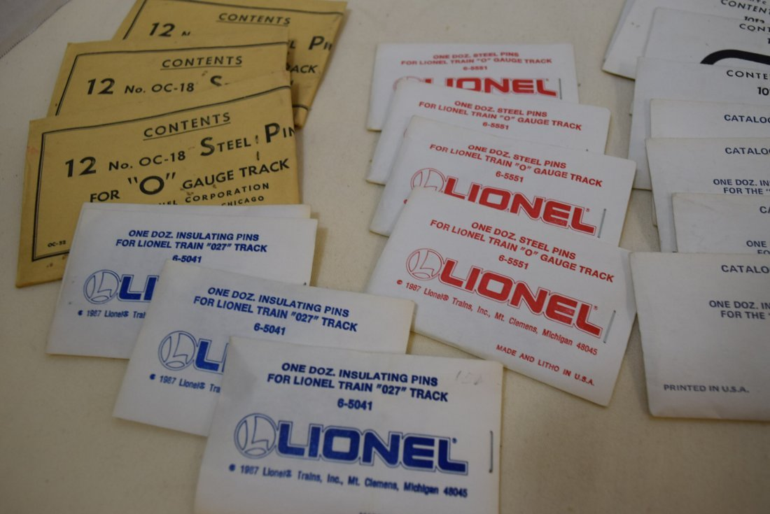 MIXED LOT LIONEL O AND 027 TRACK PINS - 3