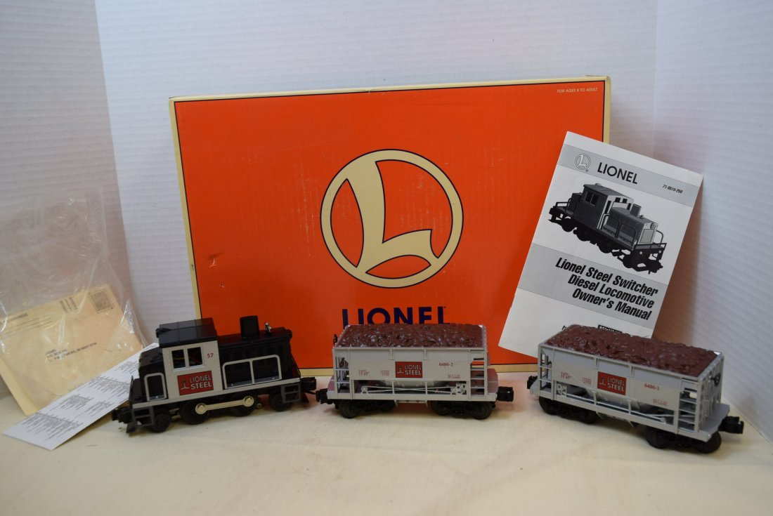 LIONEL STEEL SWITCHER DIESEL LOCOMOTIVE 57 WITH TW