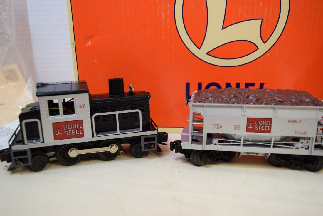 LIONEL STEEL SWITCHER DIESEL LOCOMOTIVE 57 WITH TW - 2