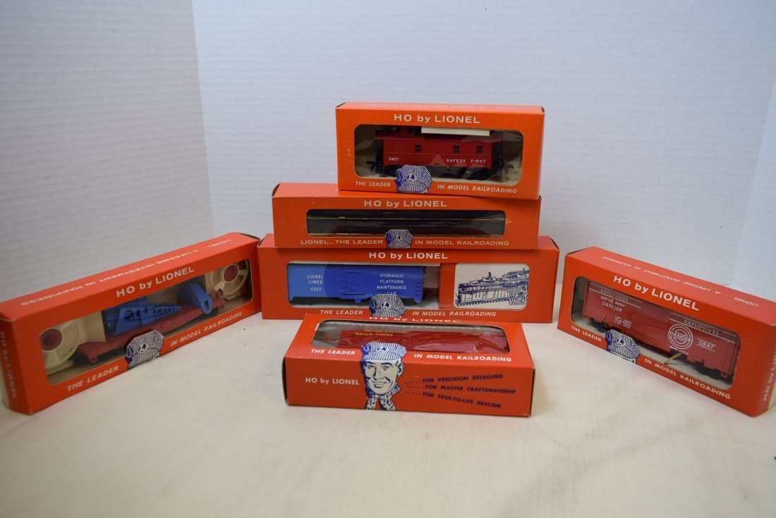 6 LIONEL HO SCALE TRAINS & SUPPLIES NIB