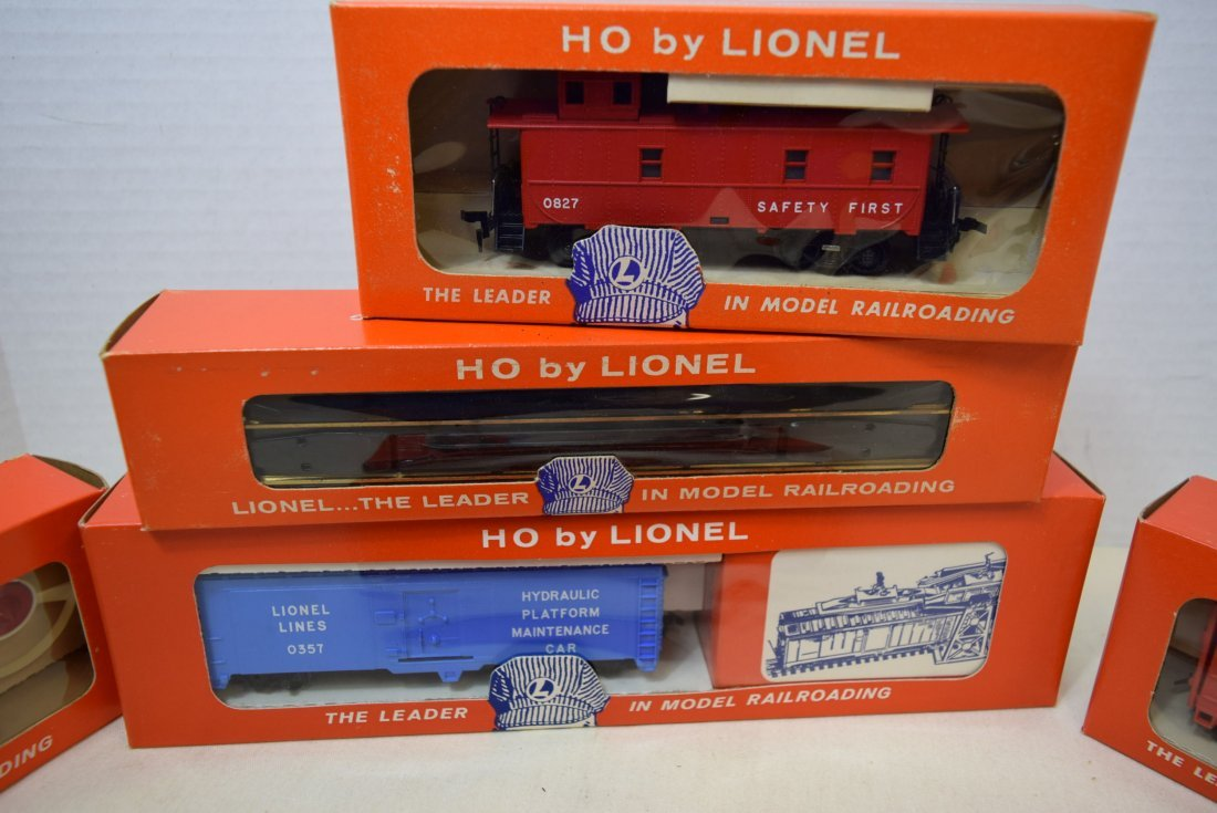 6 LIONEL HO SCALE TRAINS & SUPPLIES NIB - 3
