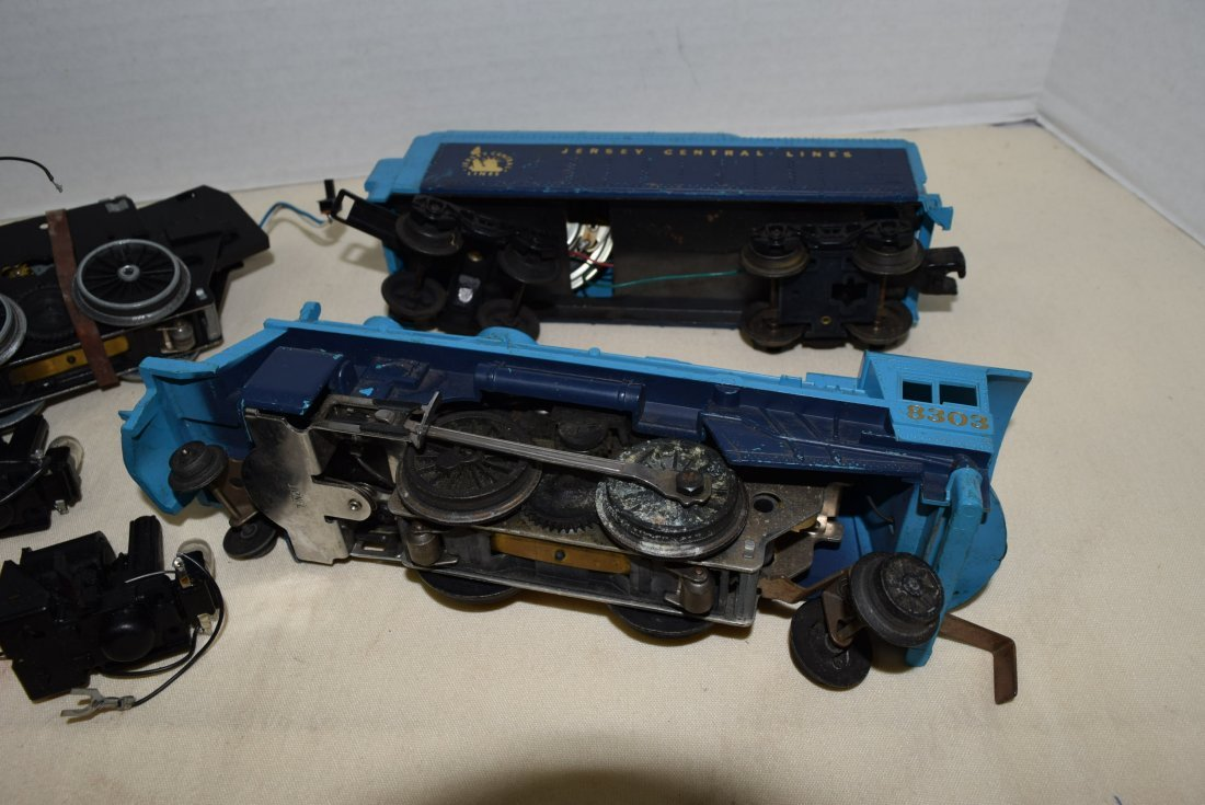2 LIONEL LOCOMOTIVE 8633 & 8303 WITH TENDER - 5