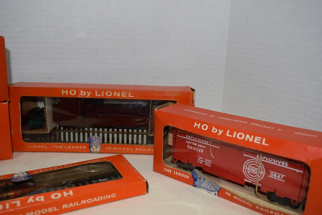 LIONEL HO CABOOSE-ANIMATED CAR & MORE - 3