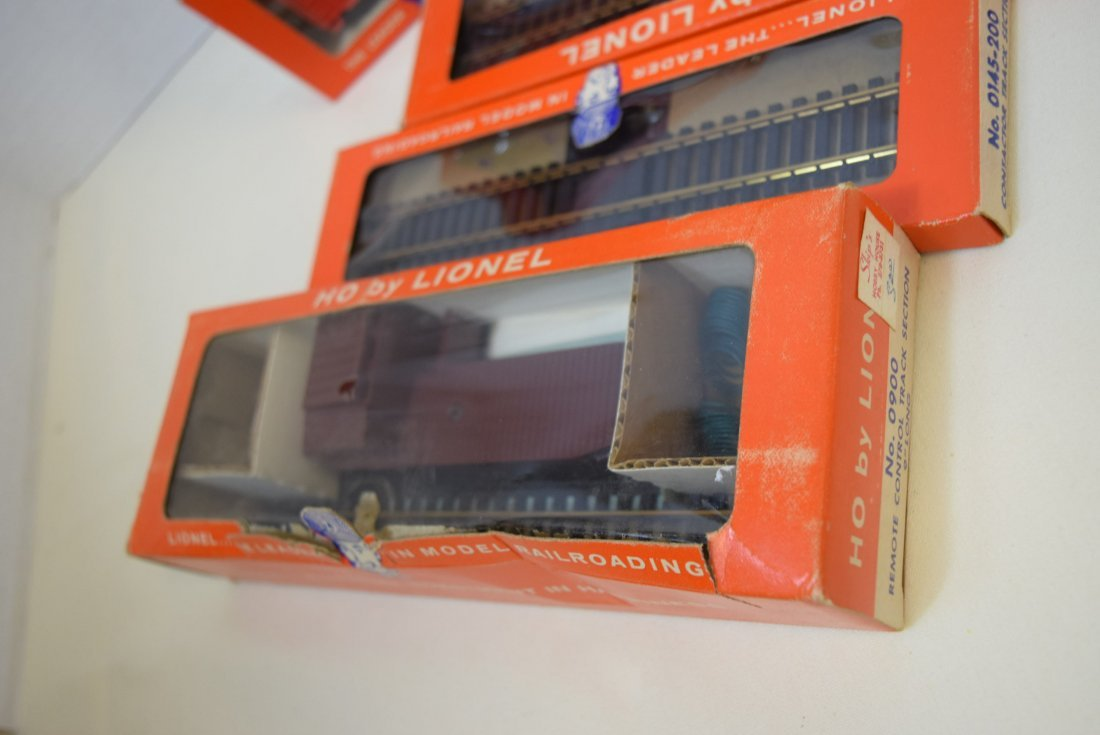 LIONEL HO CABOOSE-ANIMATED CAR & MORE - 4