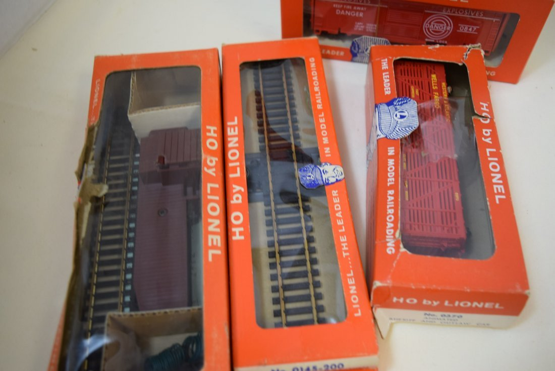 LIONEL HO CABOOSE-ANIMATED CAR & MORE - 6