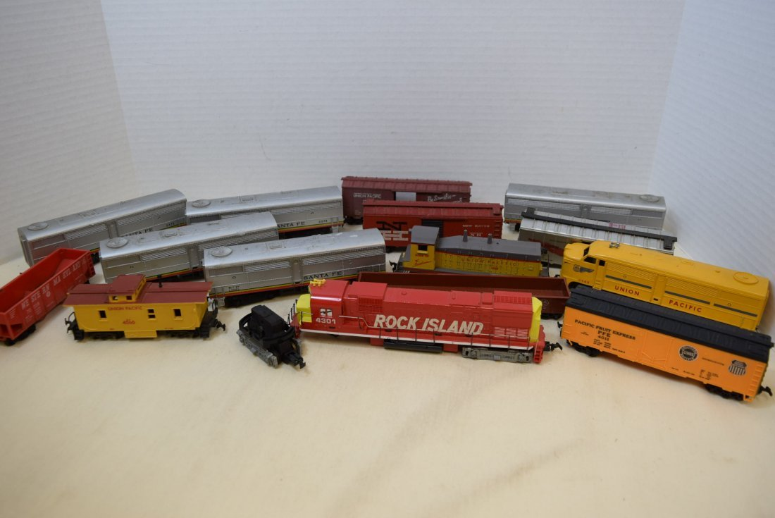 MIXED LOT HO SCALE LOCOMOTIVES AND MORE