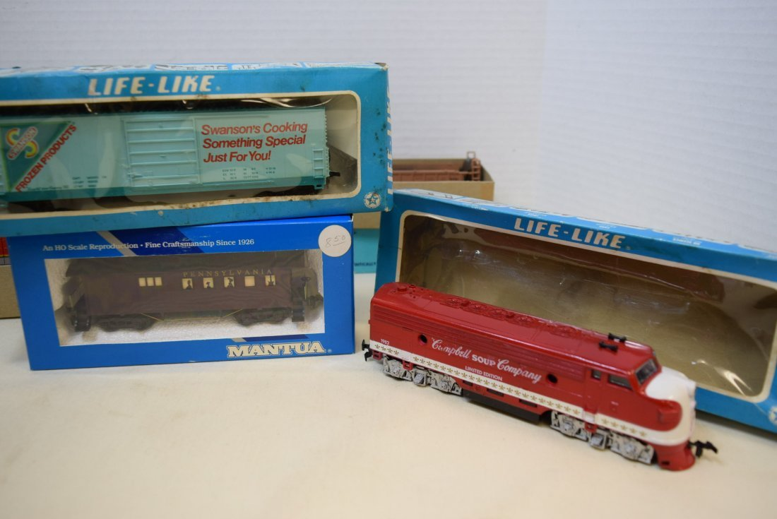 2 ATHEARN HO READY-TO-RUN AND KITS. 2 LIFE-LIKE AN - 5