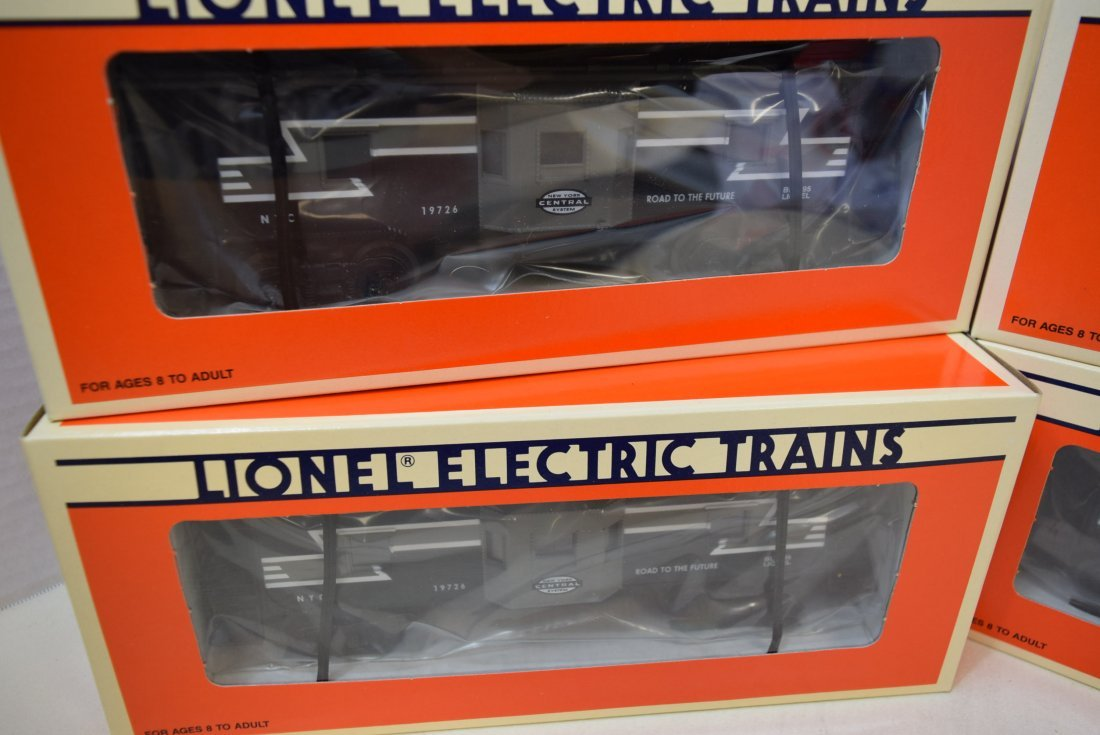 NIB 4 LIONEL NEW YORK CENTRAL BAY WINDOW CABOOSE 6 - 2