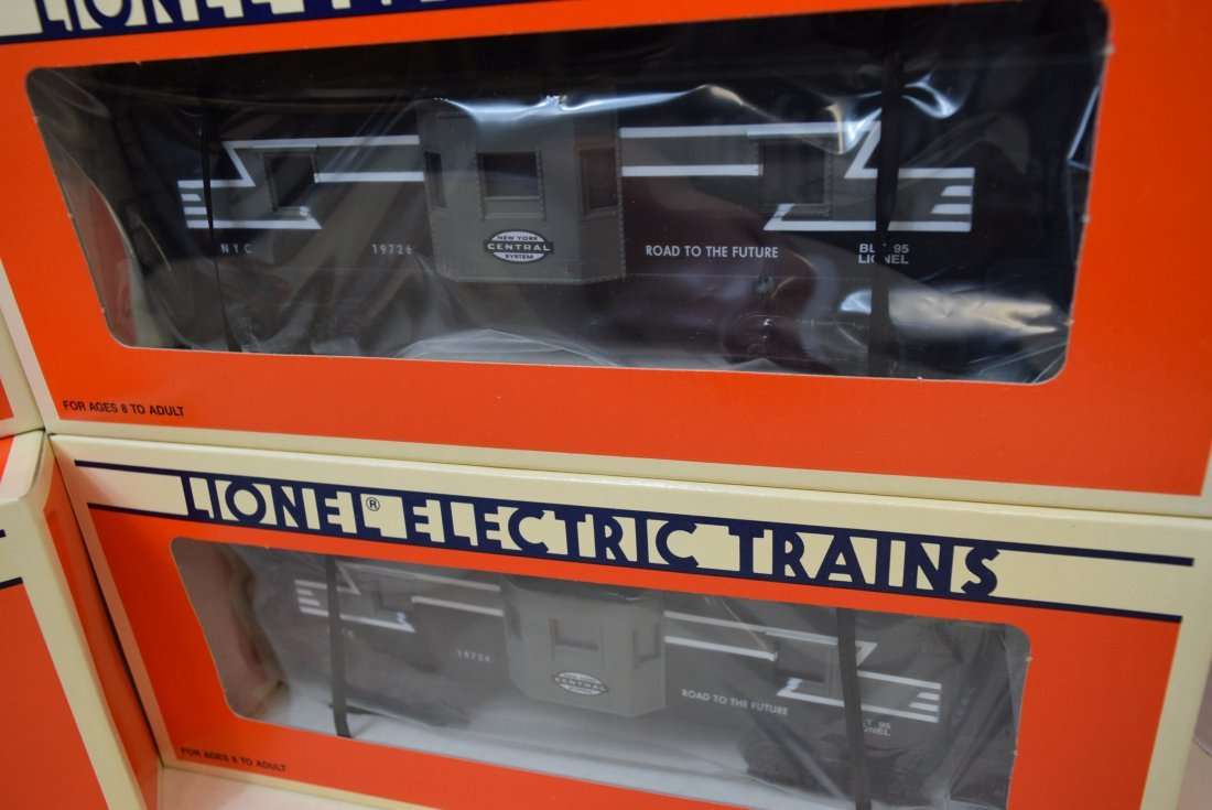 NIB 4 LIONEL NEW YORK CENTRAL BAY WINDOW CABOOSE 6 - 3