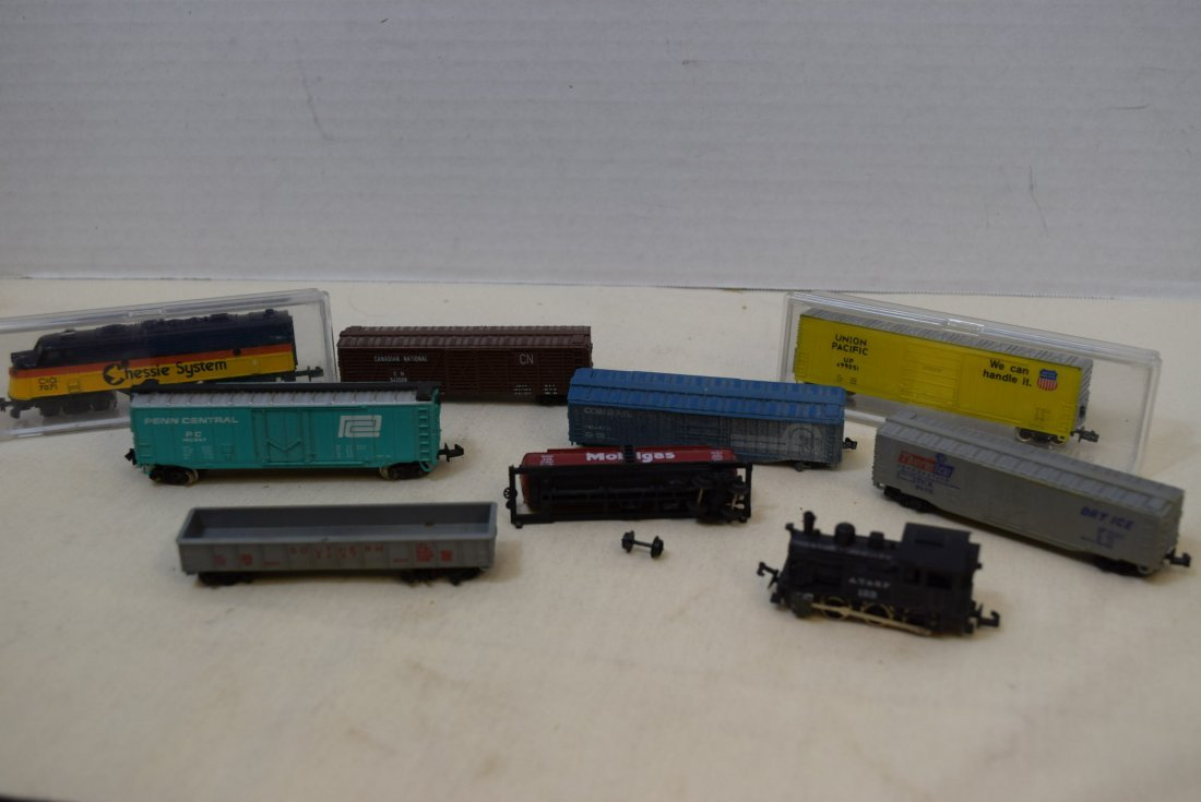 LOCOMOTIVE AND TRAINS N SCALE