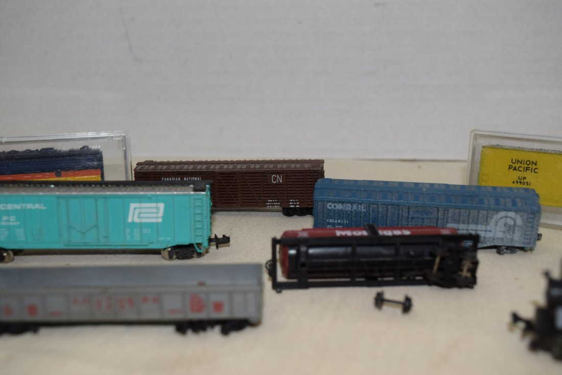 LOCOMOTIVE AND TRAINS N SCALE - 4