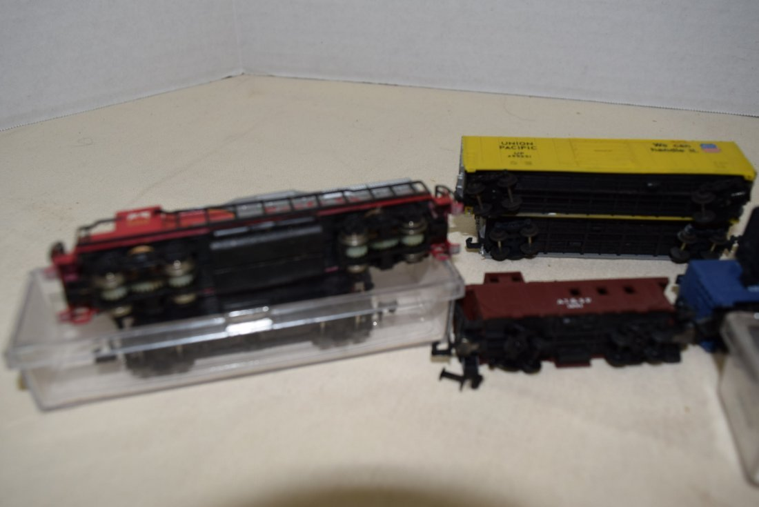 N SCALE MIXED LOT- ENGINES, CARS & MORE - 7