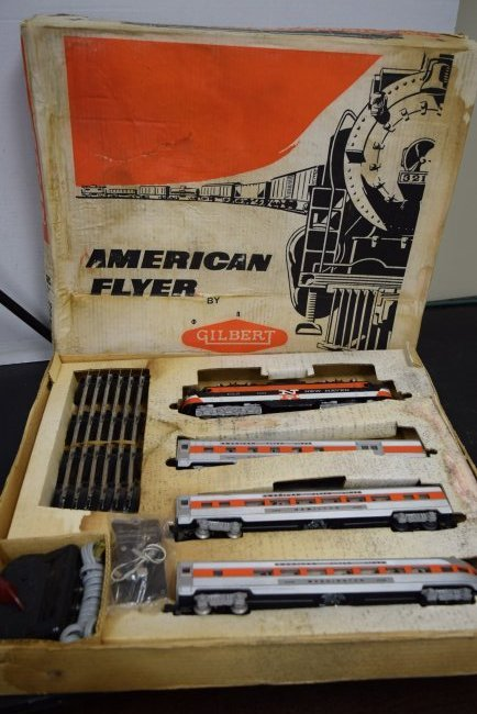 AMERICAN FLYER TRAIN SET 20520 IN ORIGINAL BOX