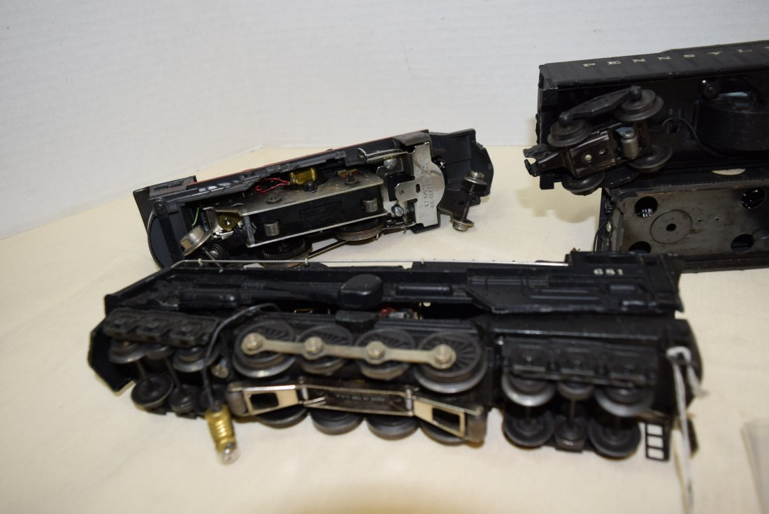LIONEL LOCOMOTIVES 681 & 8041 & TENDERS 2046W-50 & - 7