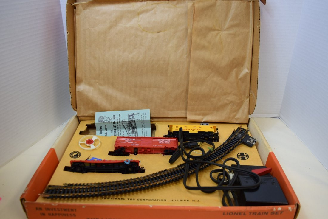 LIONEL TRAIN SET 14123 IN ORIGINAL BOX