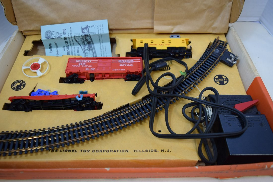 LIONEL TRAIN SET 14123 IN ORIGINAL BOX - 2