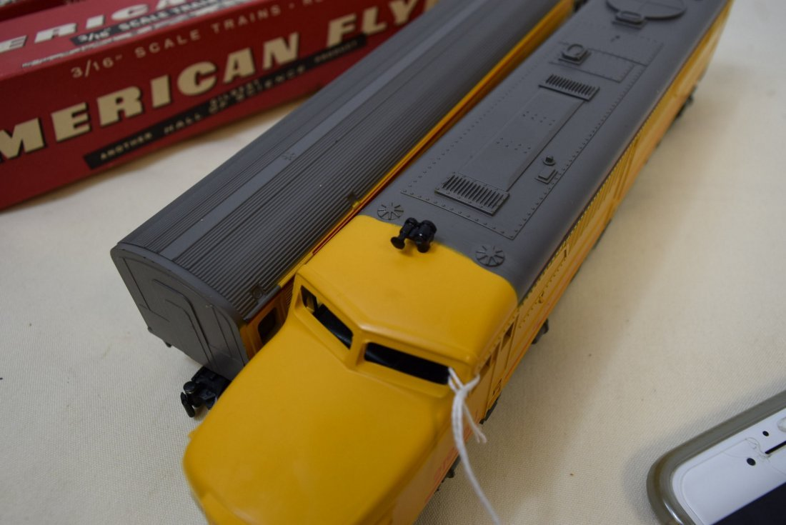 AMERICAN FLYER DUMMY WITH BELL CAR  & BAGGAGE & CL - 9