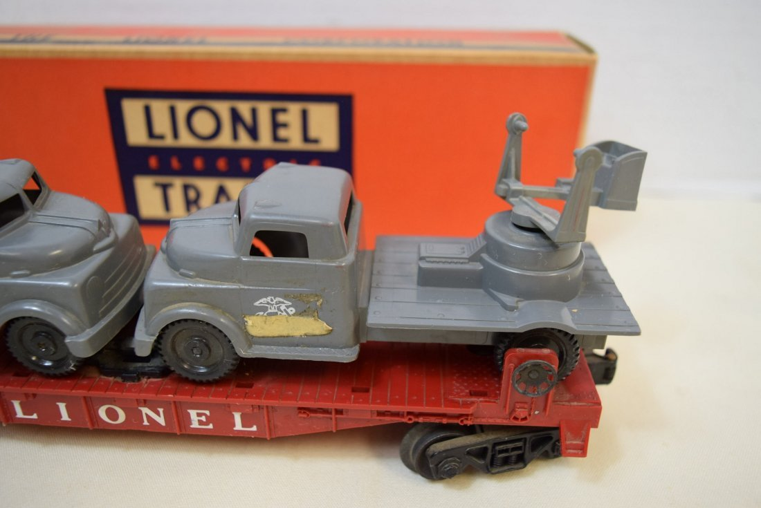 LIONEL FLAT CAR WITH MILITARY UNITS 6806 - 2