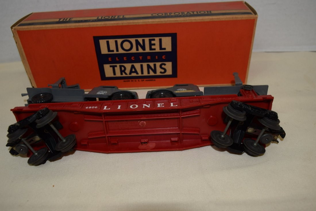 LIONEL FLAT CAR WITH MILITARY UNITS 6806 - 4