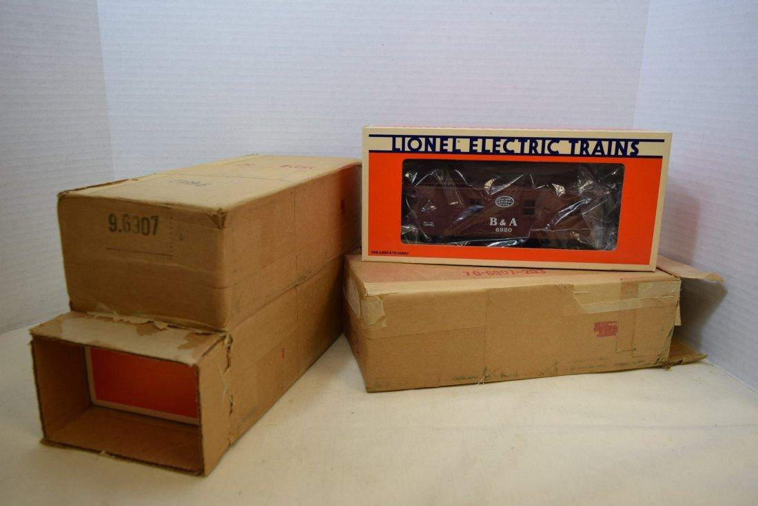 3 LIONEL TRAIN B & A CABOOSES 6920 - NIB